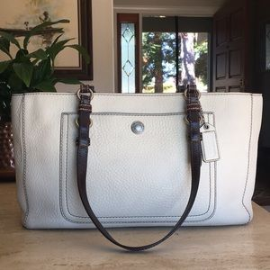 🌹COACH Chelsea Pebble Leather And Chocolate Tote!